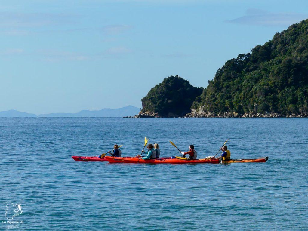 Kayak lors de la randonnée à Abel Tasman dans mon article La randonnée en Nouvelle-Zélande: 5 randonnées à faire sur l'île du Sud en Nouvelle-Zélande (de 1 à 4 jours) #nouvellezelande #oceanie #randonnee #trek #voyage #trekking #nature #abeltasman #iledusud