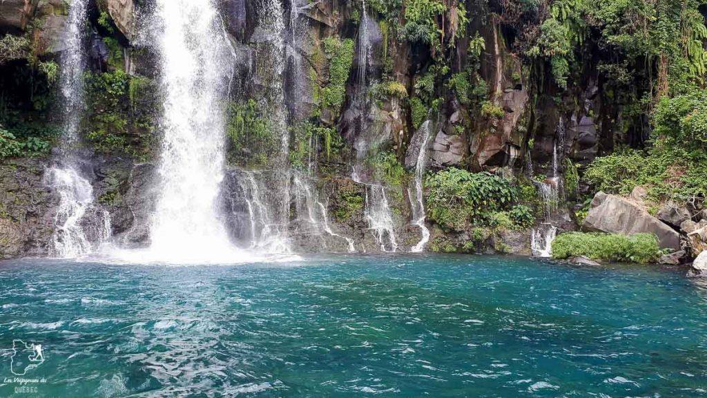 Cascade au Bassin des Aigrettes à la Réunion dans notre article Randonnée à l'île de la Réunion : Mon trek à l'île intense en groupe organisé #reunion #iledelareunion #voyage #randonnee #trek