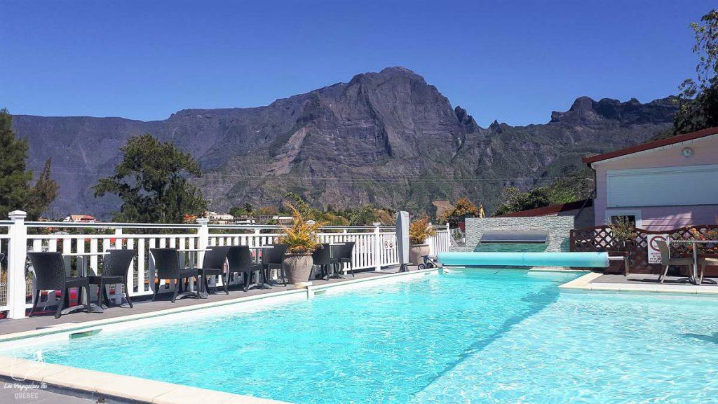 Hôtel des Neiges à la Réunion dans notre article Randonnée à l'île de la Réunion : Mon trek à l'île intense en groupe organisé #reunion #iledelareunion #voyage #randonnee #trek