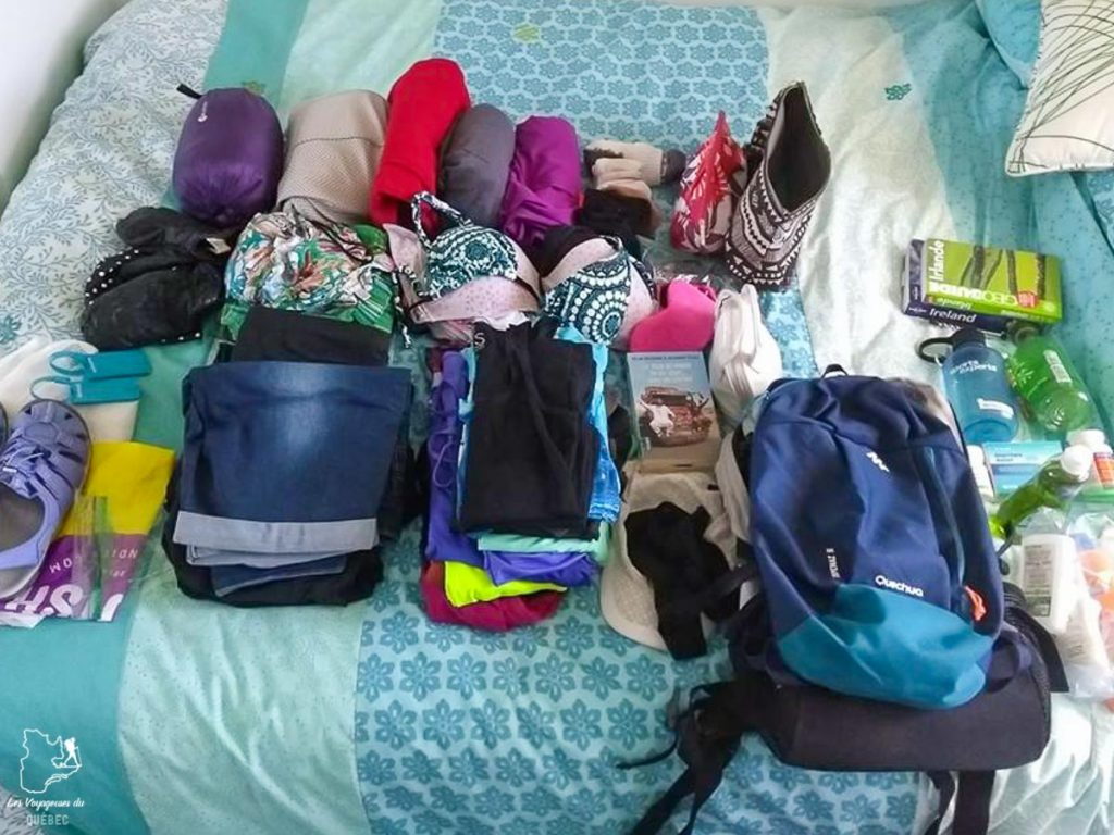 Mes bagages spécifiques pour un voyage en Irlande dans notre article Liste de choses à apporter en voyage : méthode efficace pour préparer ses bagages #bagage #sacados #valise #listedevoyage