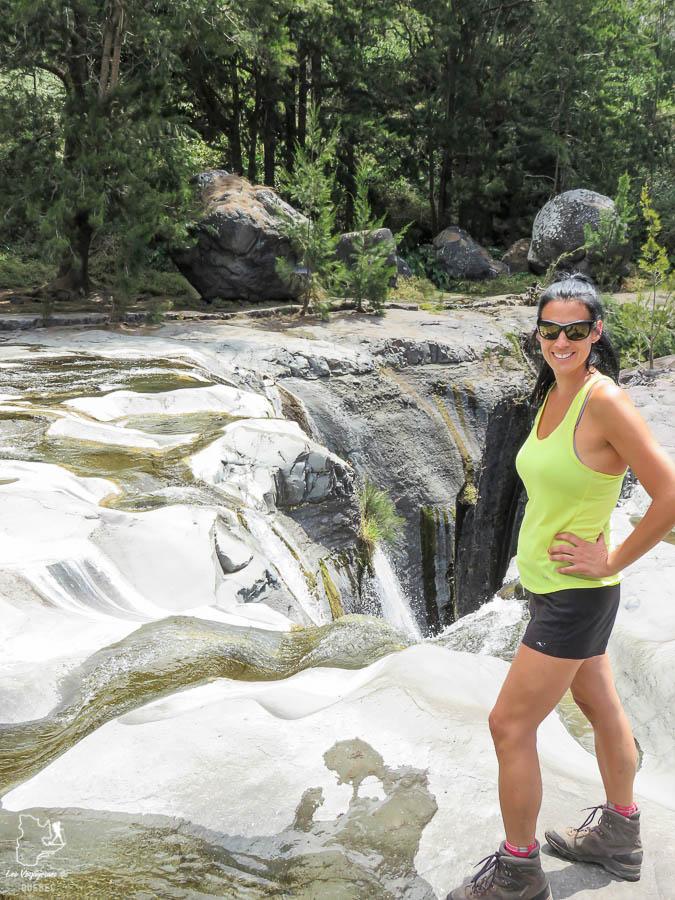 La Cascade Trois Roches à la Réunion dans notre article Randonnée à l'île de la Réunion : Mon trek à l'île intense en groupe organisé #reunion #iledelareunion #voyage #randonnee #trek