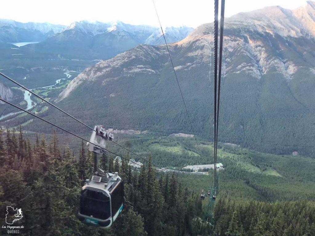 En gondole dans le Parc national de Banff dans notre article Rocheuses canadiennes : road trip de 3 jours entre Banff et Jasper #rocheuses #rocheusescanadiennes #ouestcanadien #canada #voyage #montagne #alberta #banff