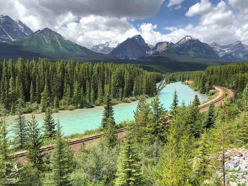 Morants Curve au Lake Louise dans les Rocheuses canadiennes dans notre article Rocheuses canadiennes : road trip de 3 jours entre Banff et Jasper #rocheuses #rocheusescanadiennes #ouestcanadien #canada #voyage #montagne #alberta #banff