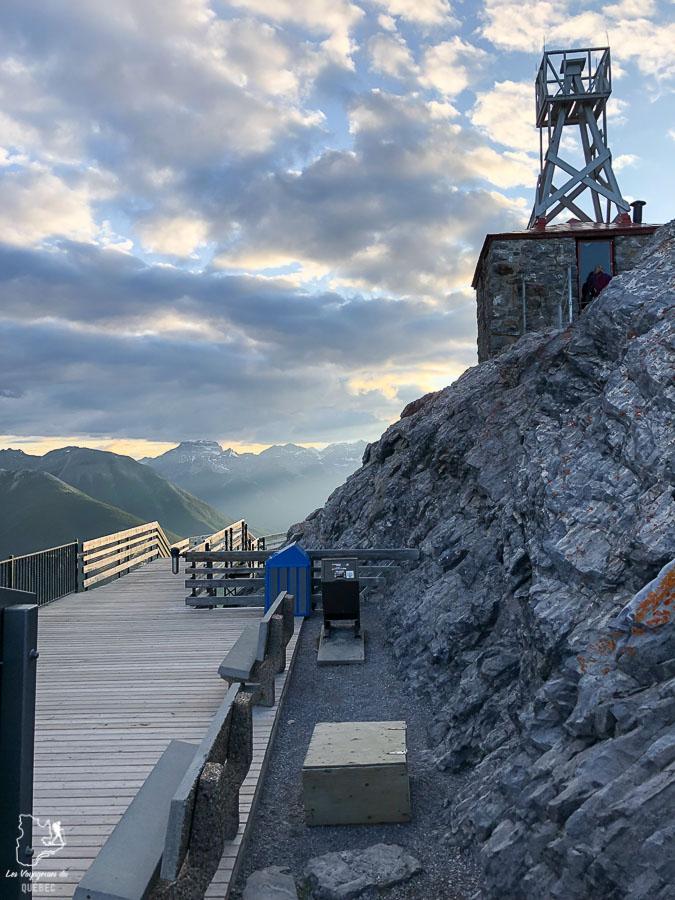 Gondole dans le Parc national de Banff dans notre article Rocheuses canadiennes : road trip de 3 jours entre Banff et Jasper #rocheuses #rocheusescanadiennes #ouestcanadien #canada #voyage #montagne #alberta #banff