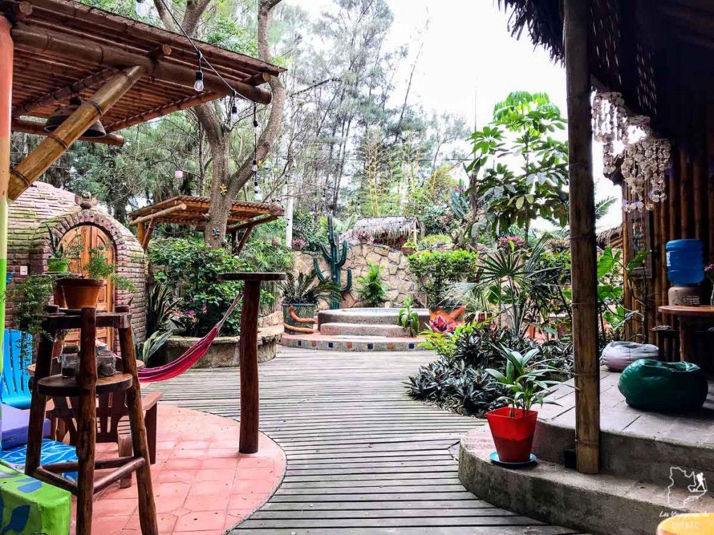 L'espace jacuzzi du Balsa Surf Camp à Montanita en Équateur dans notre article Surf en Équateur : Mon expérience dans un camp de surf à Montañita #surf #equateur #campdesurf #montanita