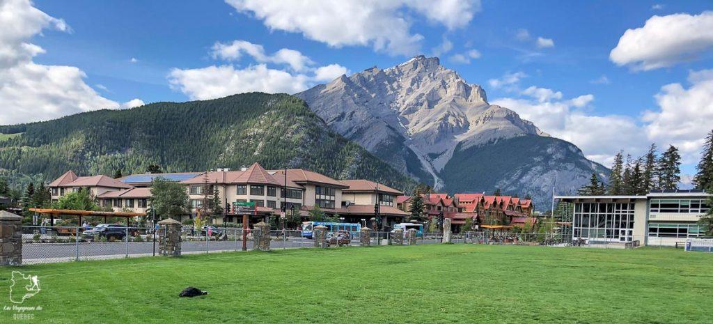 Banff dans les Rocheuses canadiennes dans notre article Rocheuses canadiennes : road trip de 3 jours entre Banff et Jasper #rocheuses #rocheusescanadiennes #ouestcanadien #canada #voyage #montagne #alberta #banff