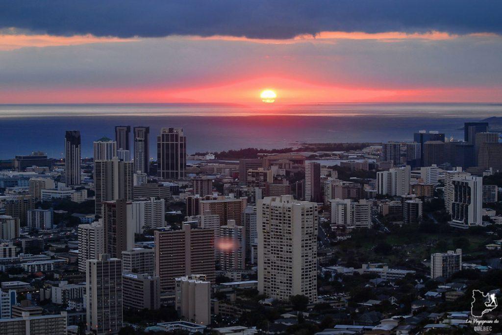 Sortir dans le Chinatown en soirée dans notre article Que faire à Honolulu sur l'île d'Oahu à Hawaii #oahu #honolulu #hawaii #hawaï #voyage