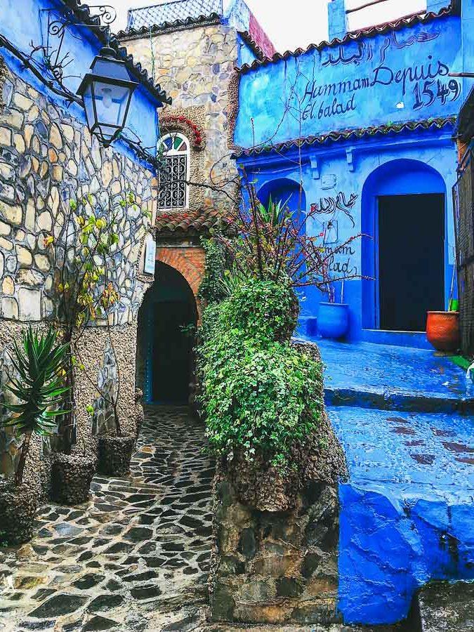 Chefchaouen, à visiter au Maroc dans notre article Itinéraire au Maroc : Que faire au Maroc et visiter en tant que femme #maroc #itineraire #voyageaufeminin #femme #voyage #chefchaouen