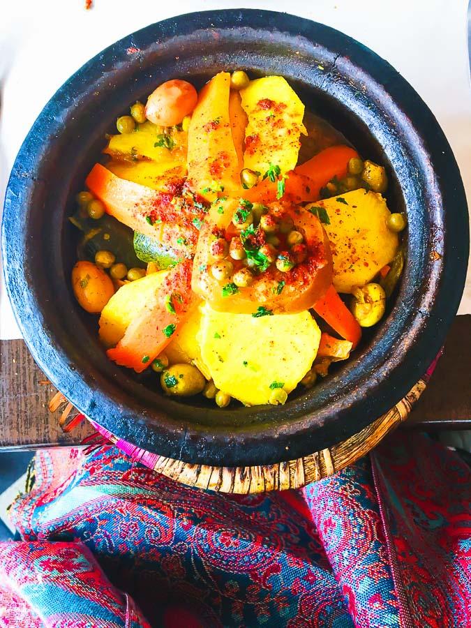 Tajine, plat à Marrakech au Maroc dans notre article Itinéraire au Maroc : Que faire au Maroc et visiter en tant que femme #maroc #itineraire #voyageaufeminin #femme #voyage #Marrakech