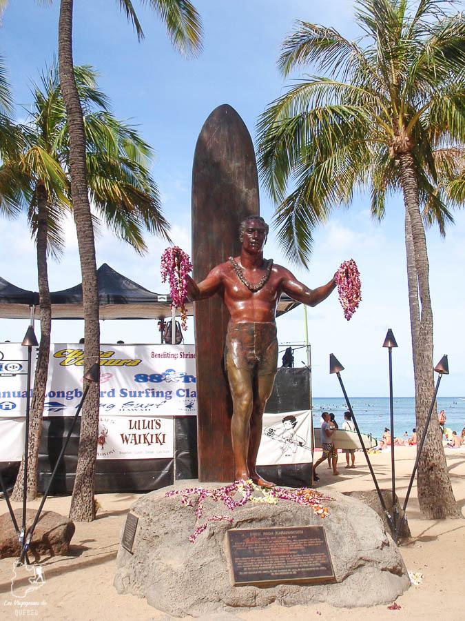 La vibe de surf à Waikiki à Hawaii dans notre article Waikiki à Hawaii en 10 coups de coeur : destination plage et surf d'Oahu #waikiki #hawaii #oahu #voyage #surf #plage