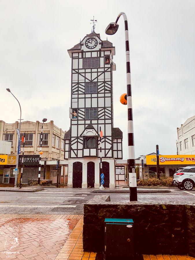 Horloge Glockenspiel à Stratford dans notre article sur l'Île du Nord en Nouvelle-Zélande : Incontournables et itinéraire de mon road trip #nouvellezelande #oceanie #voyage #iledunord #roadtrip #stratford