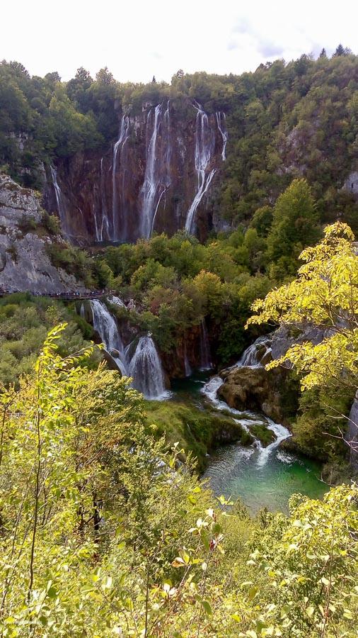 Les chutes de Plitvice dans notre article Visiter la Croatie : Où aller et que faire en Croatie entre Zadar à Dubrovnik #croatie #balkans #europe #voyage #plitvice