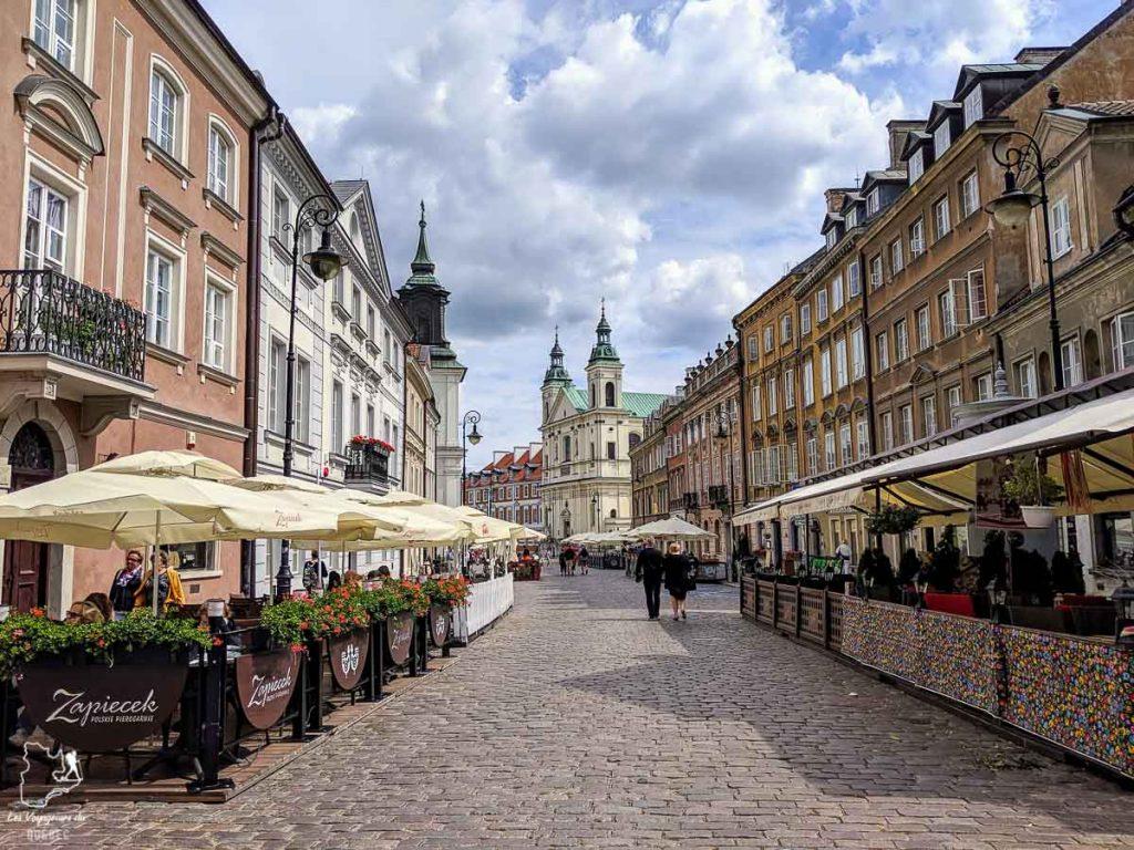 Dans les rues de Varsovie dans notre article Que faire en Pologne et voir : Itinéraire de 2 semaines à visiter la Pologne #pologne #voyage #europe #itineraire #varsovie