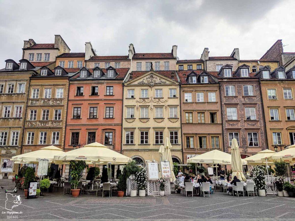 Place de la Vieille Ville à Varsovie dans notre article Que faire en Pologne et voir : Itinéraire de 2 semaines à visiter la Pologne #pologne #voyage #europe #itineraire #varsovie
