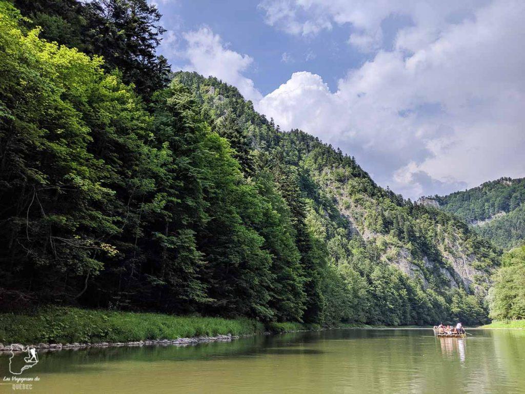 Descendre les gorges de la rivière Dunajec à Zakopane en Pologne dans notre article Que faire en Pologne et voir : Itinéraire de 2 semaines à visiter la Pologne #pologne #voyage #europe #itineraire #zakopane