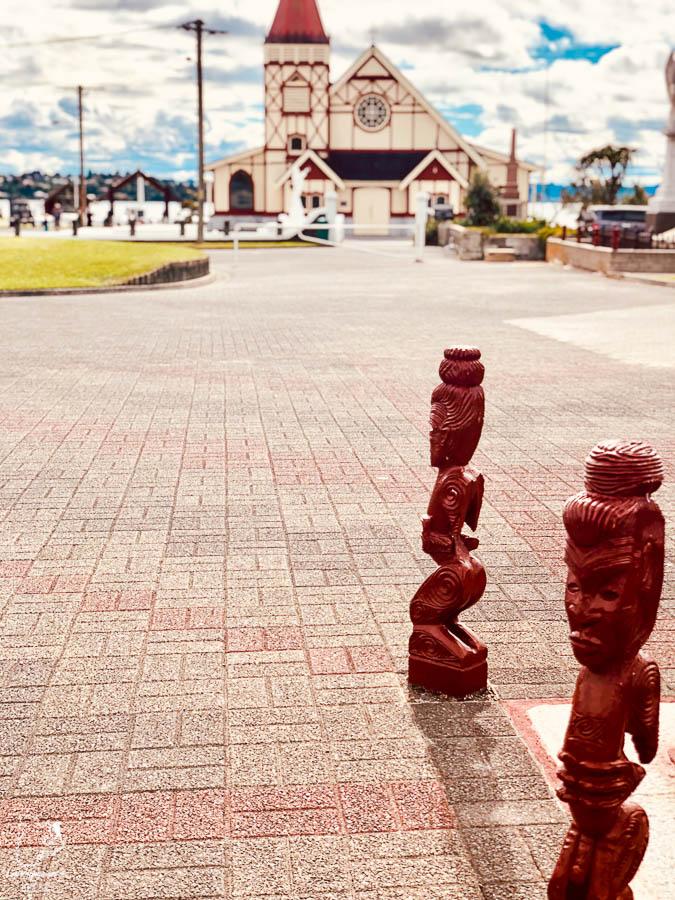 Village maori au Rotorua dans notre article sur l'Île du Nord en Nouvelle-Zélande : Incontournables et itinéraire de mon road trip #nouvellezelande #oceanie #voyage #iledunord #roadtrip