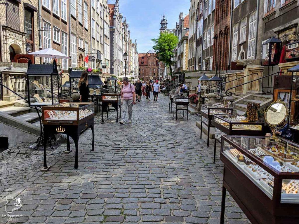 La rue Mariacka à Gdansk dans notre article Que faire en Pologne et voir : Itinéraire de 2 semaines à visiter la Pologne #pologne #voyage #europe #itineraire #gdansk