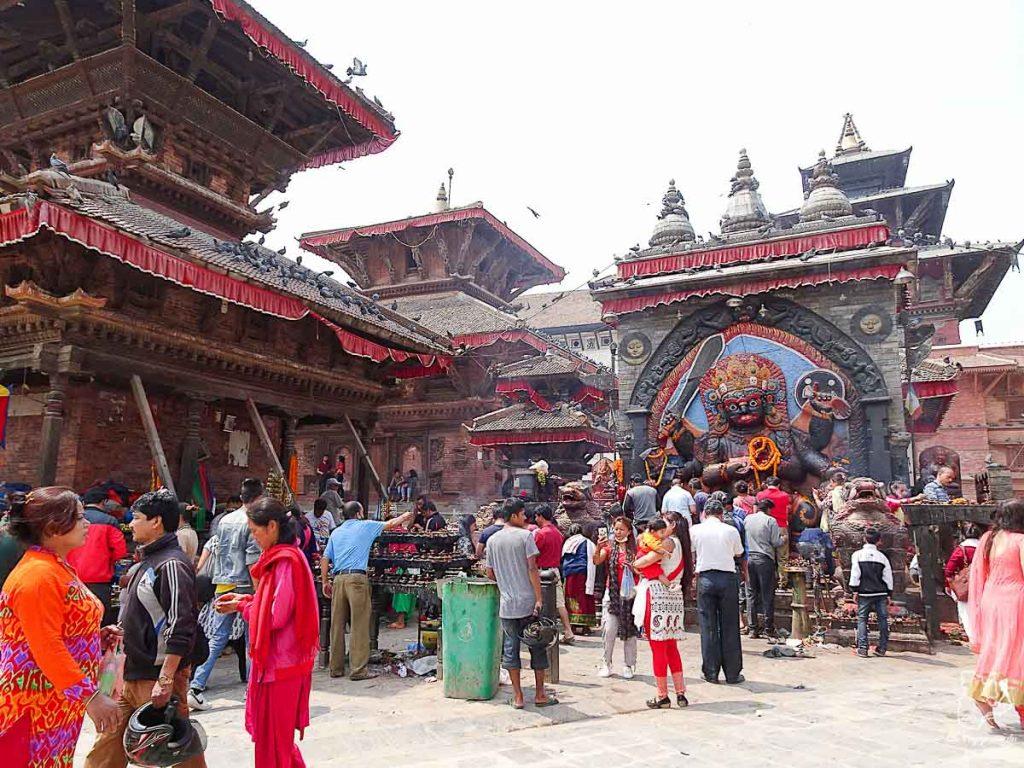 Durbar square, un grand incontournable à visiter à Katmandou au Népal dans notre article Que faire à Katmandou au Népal : Mes incontournables à visiter #katmandou #nepal #asie #incontournables