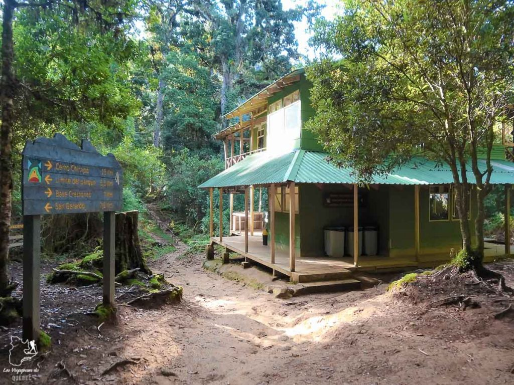 Le refuge Llano Bonito au Cerro Chirripo au Costa Rica dans notre article Le Cerro Chirripo au Costa Rica : Mon ascension du Mont Chirripo #costarica #ameriquecentrale #voyage #volcan #randonnee #chirripo