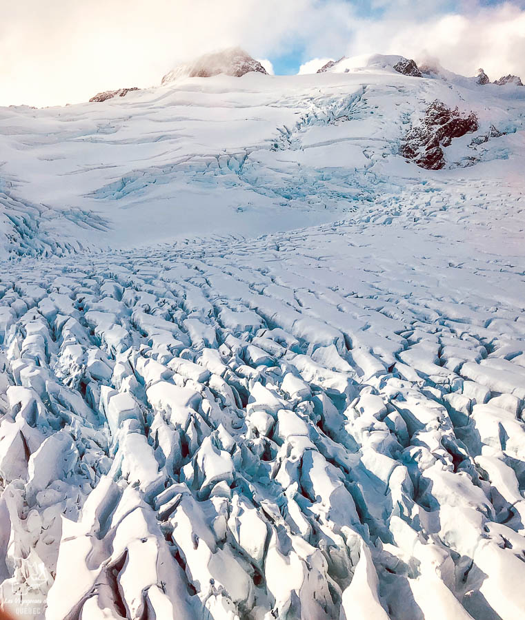 Glacier Franz Josef en hélicoptère, un incontournable sur l'île du Sud en Nouvelle-Zélande dans notre article Île du Sud en Nouvelle-Zélande : Incontournables et itinéraire détaillé de mon road trip #nouvellezelande #ile #sud #itineraire #voyage #oceanie #roadtrip