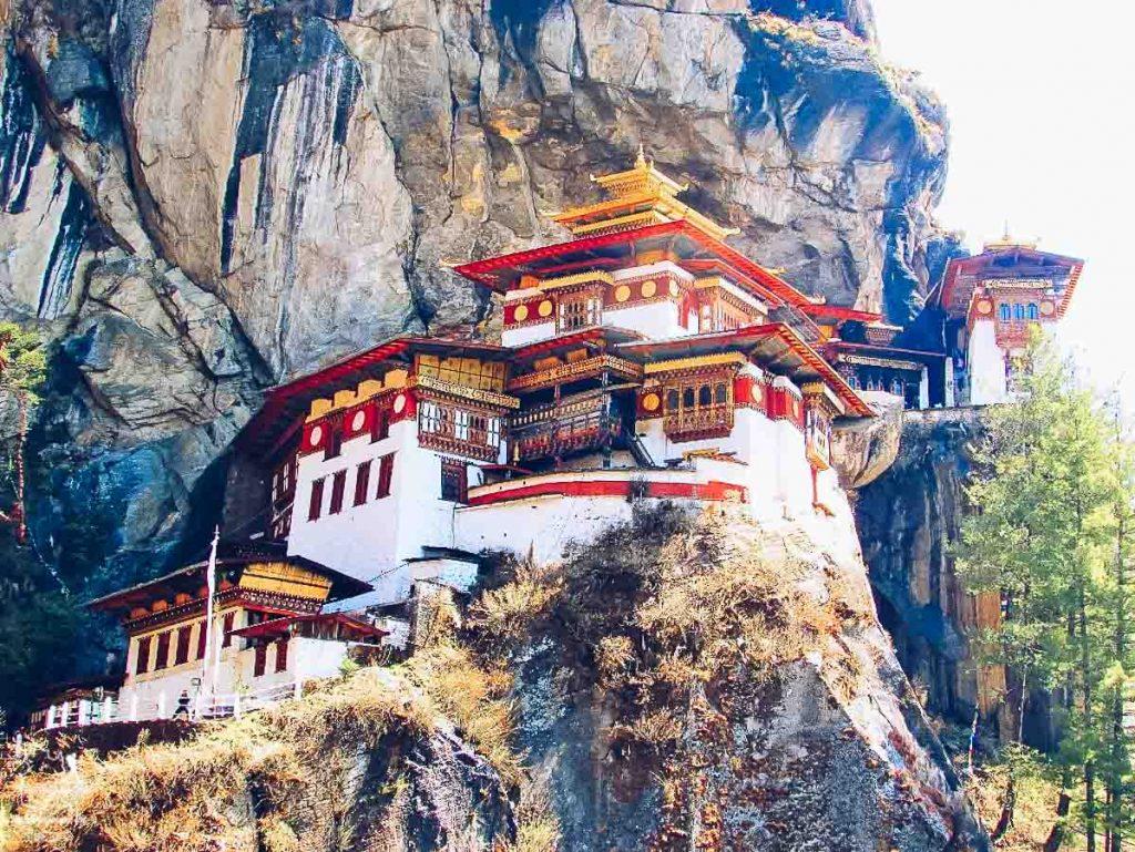 Aller au Bhoutan et voir l'incontournable Monastère de Taktsang, Tiger's Nest, dans notre article Visiter le Bhoutan : Voyage dans ce petit royaume enchanteur hors du temps #bhoutan #asie #voyage