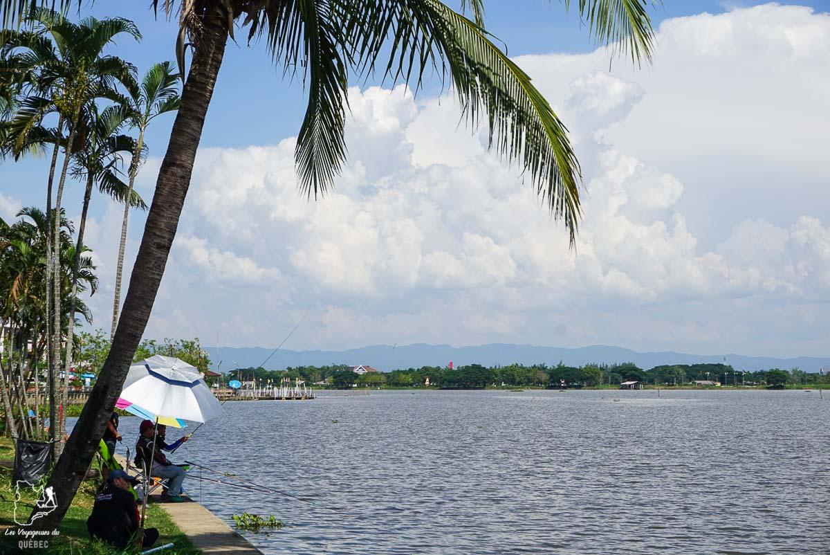 Phayao, à visiter dans le nord de la Thaïlande pour une expérience avec les locaux dans notre article Visiter le nord de la Thaïlande hors des sentiers battus #thailande #nord #horsdessentiersbattus #asie #asiedusudest #voyage