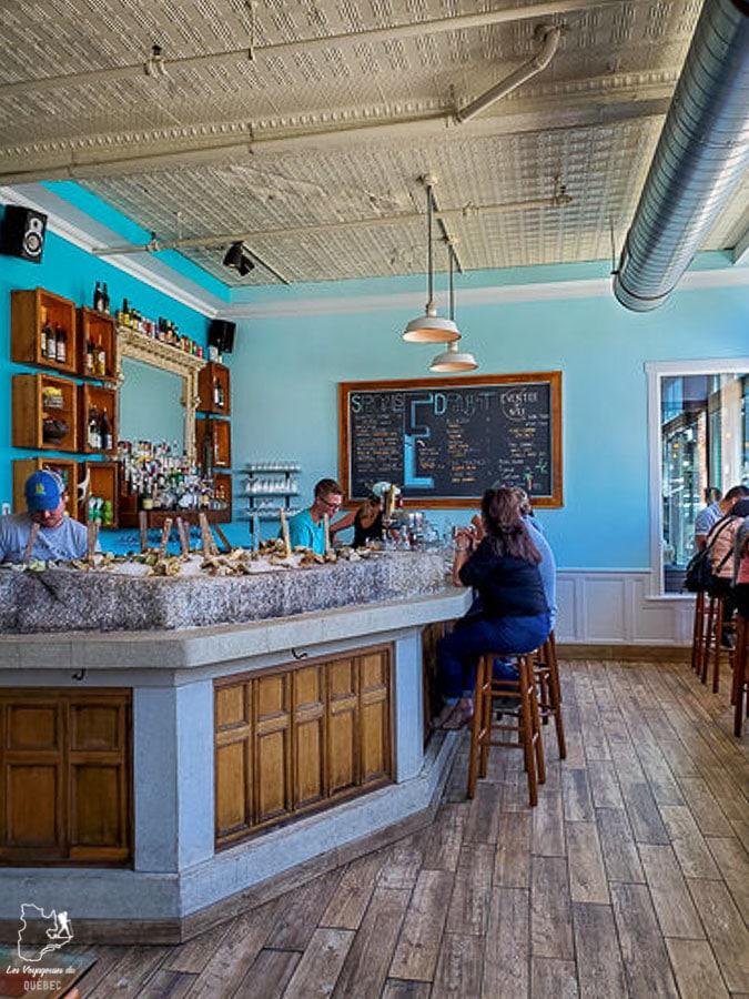 Bar à huîtres chez Eventide à Portland dans le Maine dans notre article Visiter Portland : Quoi faire à Portland dans le Maine pour un weekend gourmand #Portland #Maine #USA #voyage #foodtour