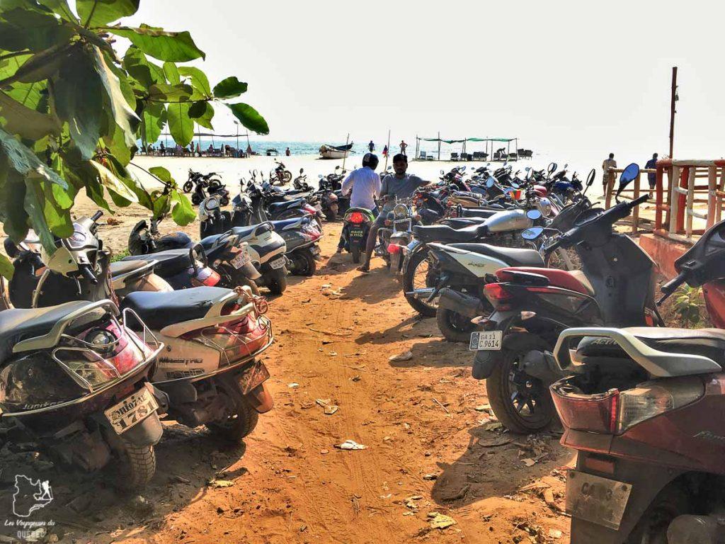 La moto, un moyen de transport pour se déplacer en Inde dans notre article Bus et train en Inde : Démystifier la réservation de train en Inde et de bus #train #bus #inde #voyage #transport #sedeplacer