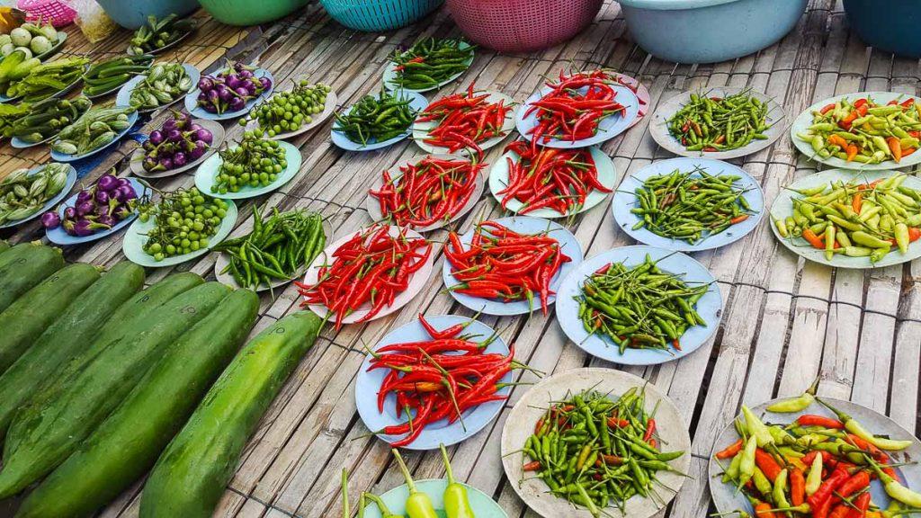 Nourriture épicée en Thaïlande dans notre article 7 idées préconçues sur la culture thaïlandaise et la Thaïlande #thailande #culture #culturethailandaise #tabou #voyage #asie #asiedusudest