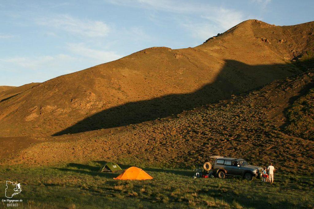 Trek en altitude en Mongolie dans notre article Comment se préparer à la haute altitude pour éviter le mal des montagnes #montagne #hautealtitude #hautemontagne #maldesmontagnes #malaigudesmontagnes #randonnee #hautealtitude