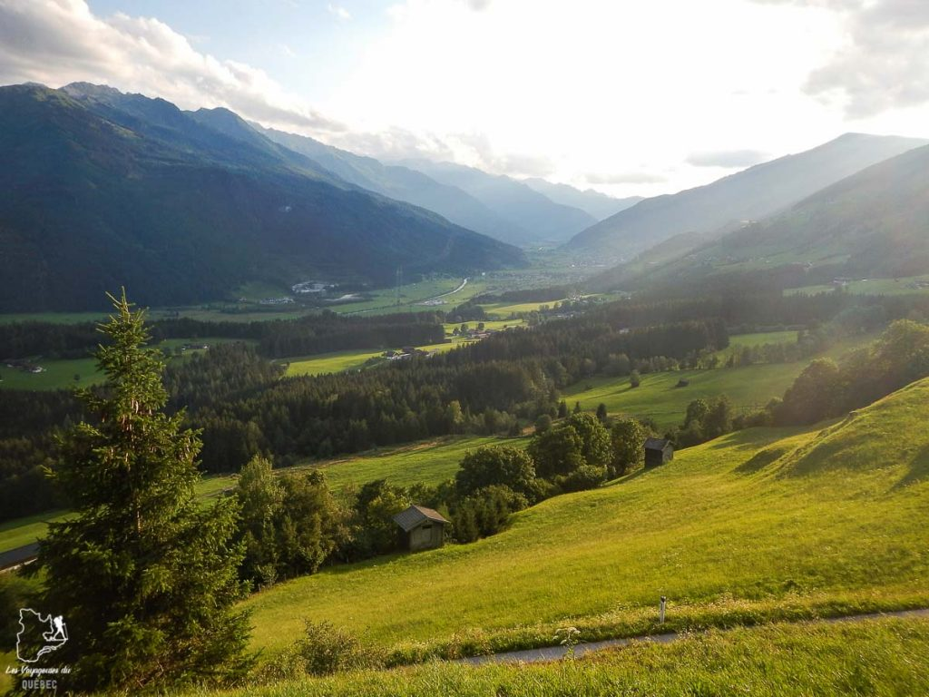Paysage des Alpes autrichiennes en été dans notre article Voyage dans les Alpes autrichiennes en été, ces belles montagnes d'Autriche #alpes #autriche #alpesautrichiennes #montagnes #voyage #europe
