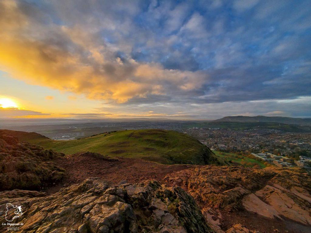 Lever de soleil à Arthur's Seat à Edimbourg dans notre article Road trip en Écosse : Une semaine de road trip sportif et gastronomique #ecosse #roadtrip #europe #grandebretagne #royaumeunis #voyage