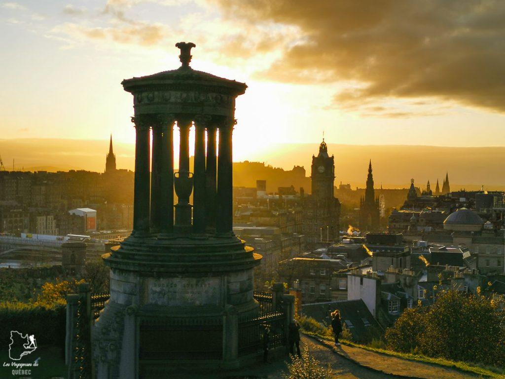 Coucher de soleil sur Calton Hill à Edimbourg dans notre article Road trip en Écosse : Une semaine de road trip sportif et gastronomique #ecosse #roadtrip #europe #grandebretagne #royaumeunis #voyage