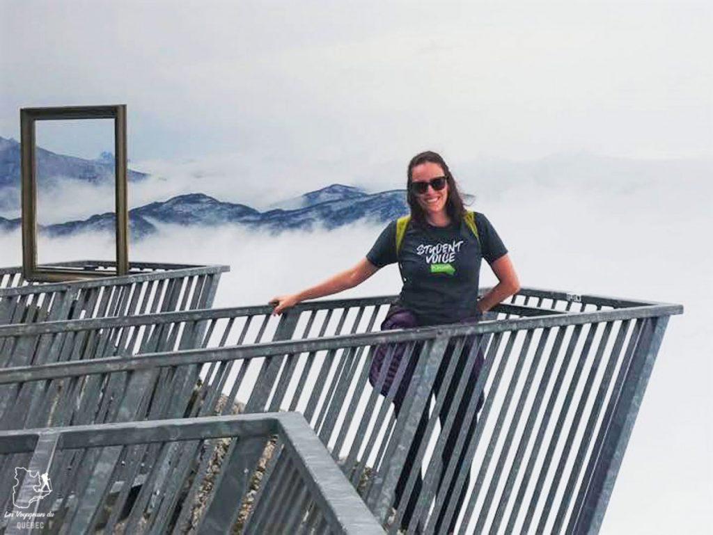 Sur la plate-forme panoramique des 5 fingers à Dachstein près d'Hallstatt en Autriche dans notre article Hallstatt en Autriche : Petit guide pour visiter Hallstatt et ses environs #hallstatt #autriche #europe #voyage #alpes