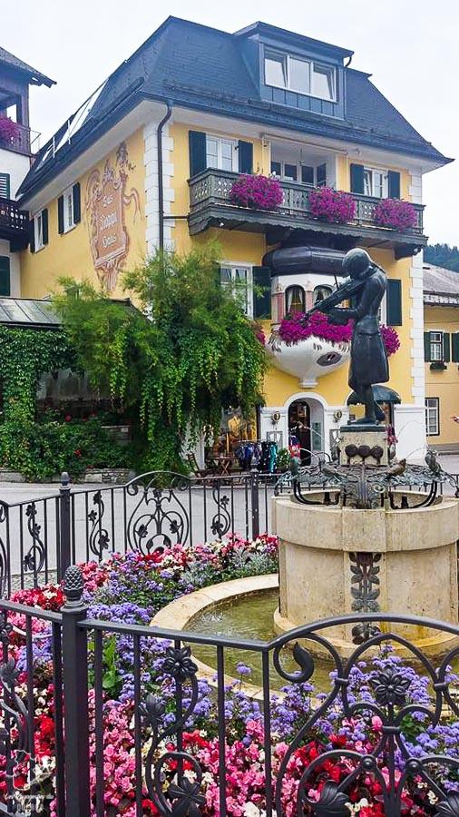 Visite du village Sankt Gilgen près d'Hallstatt en Autriche dans notre article Hallstatt en Autriche : Petit guide pour visiter Hallstatt et ses environs #hallstatt #autriche #europe #voyage #alpes