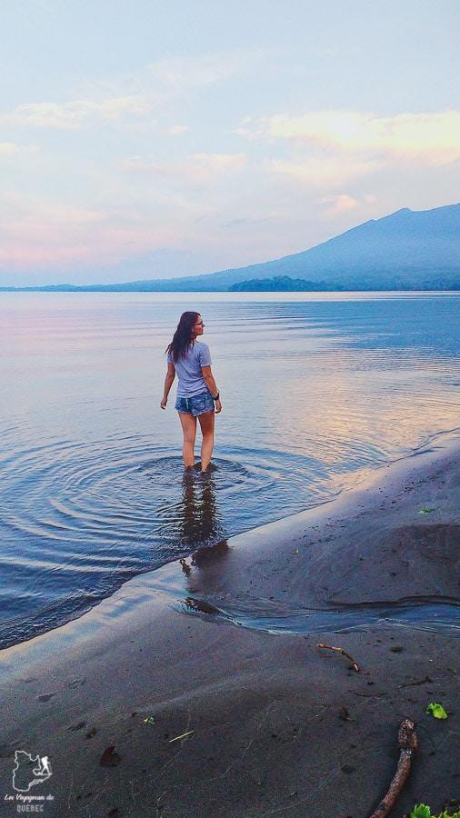 Plage Santo Domingo sur l'île d'Ometepe au Nicaragua dans notre article Ometepe au Nicaragua : Une semaine sur cette île volcanique #ometepe #ileometepe #nicaragua #ameriquecentrale #voyage