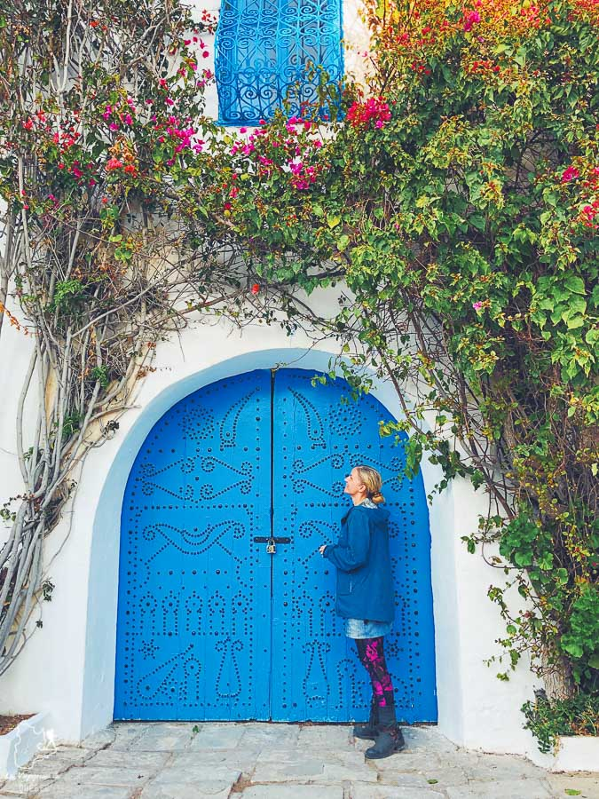 Sidi Bou Saïd, la destination carte postale à visiter en Tunisie dans notre article Visiter la Tunisie : Comment faire un voyage en Tunisie autrement #tunisie #afrique #voyage #sidibousaid