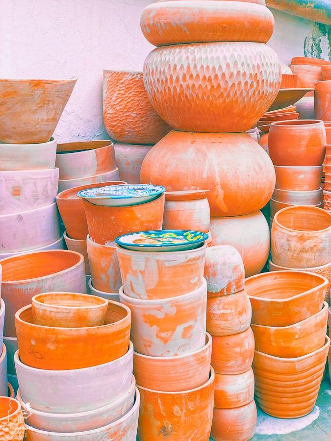 Céramique de Nabeul en Tunisie dans notre article Visiter la Tunisie : Comment faire un voyage en Tunisie autrement #tunisie #afrique #voyage #hammamet