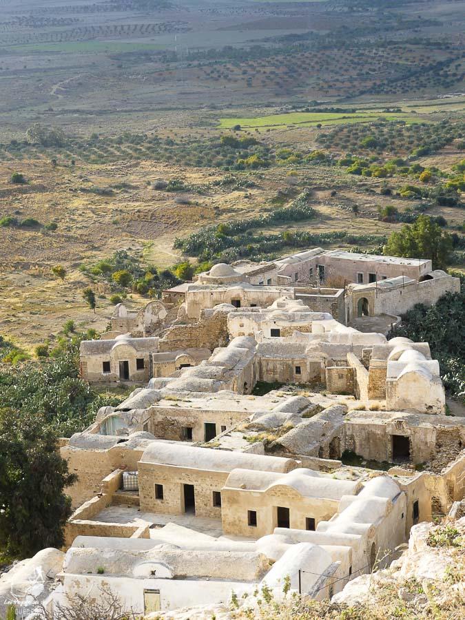 Village perché de Takrouna en Tunisie dans notre article Visiter la Tunisie : Comment faire un voyage en Tunisie autrement #tunisie #afrique #voyage #hammamet