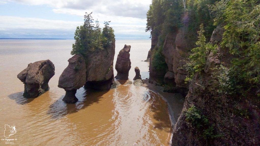 Hopewell Rocks sur quoi faire au Nouveau-Brunswick dans notre article Voyage au Nouveau-Brunswick et en Nouvelle-Écosse en mode backpack #nouveaubrunswick #nouvelleecosse #voyage #canada #backpack
