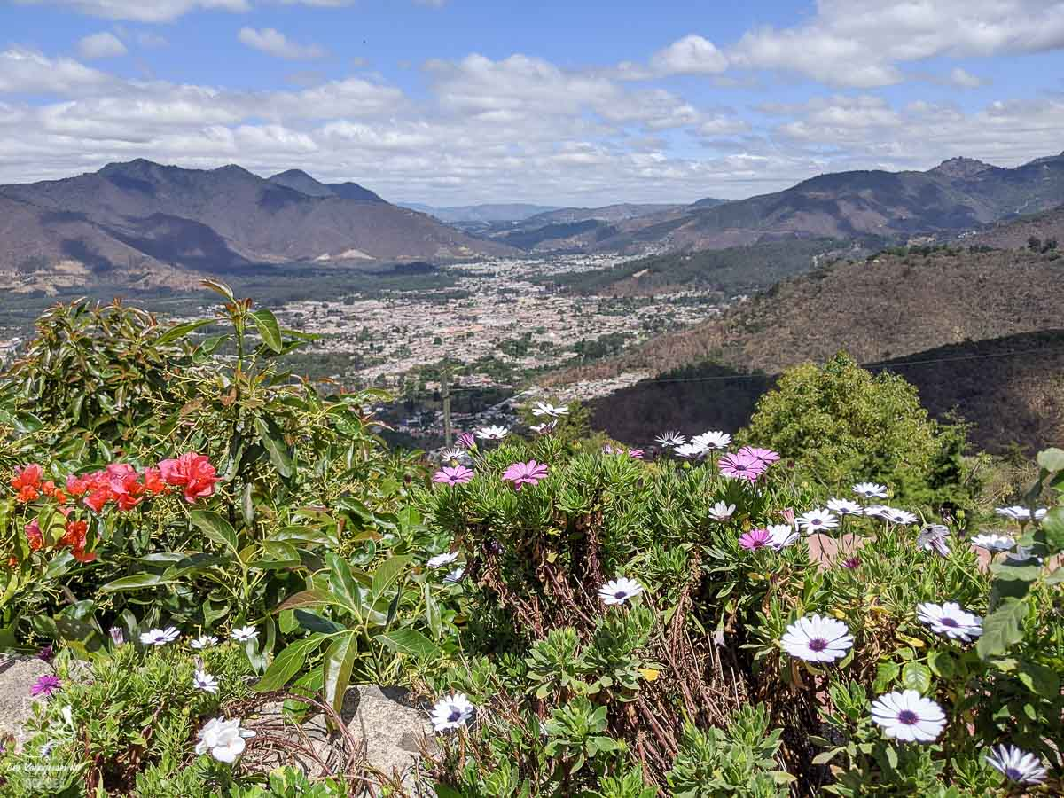 San Cristobal El Alto au Guatemala dans notre article Mon voyage au Guatemala en 12 incontournables à visiter et à faire #guatemala #ameriquecentrale #voyage