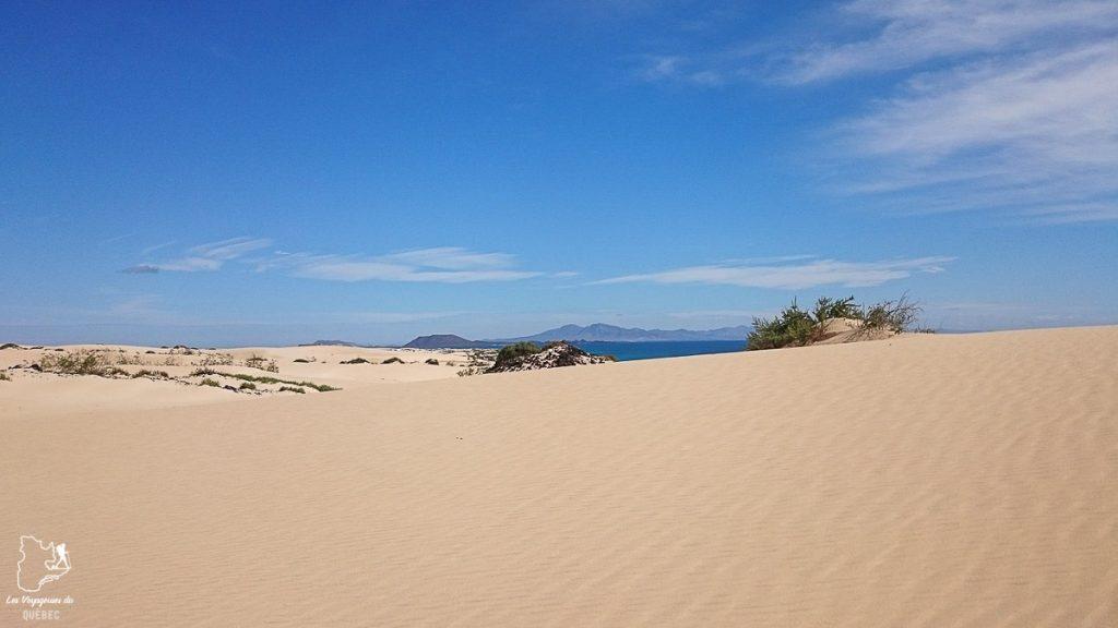 Dunes de Corralejo à Fuerteventura dans notre article Visiter Fuerteventura : petit paradis des îles Canaries en Espagne #Fuerteventura #canaries #espagne #voyage #ile