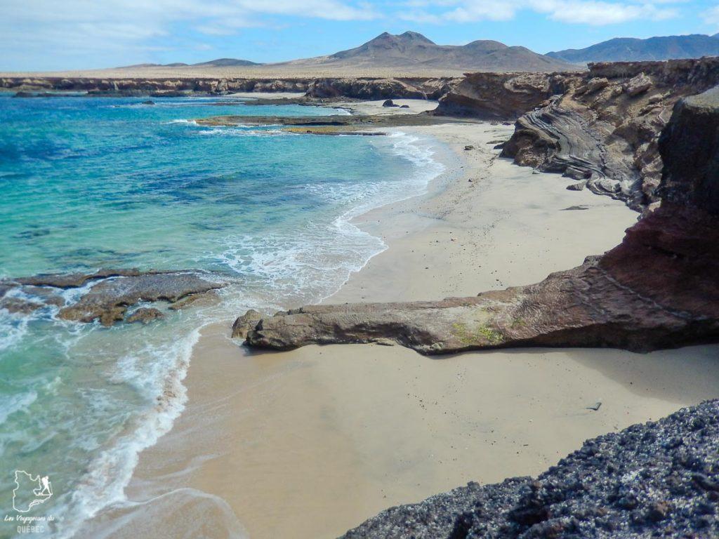 La plage sauvage de Cofete à Fuerteventura dans notre article Visiter Fuerteventura : petit paradis des îles Canaries en Espagne #Fuerteventura #canaries #espagne #voyage #ile