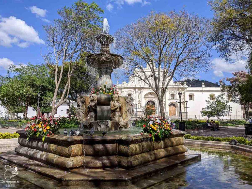 El Parque central d'Antigua, un incontournable du Guatemala dans notre article Mon voyage au Guatemala en 12 incontournables à visiter et à faire #guatemala #ameriquecentrale #voyage