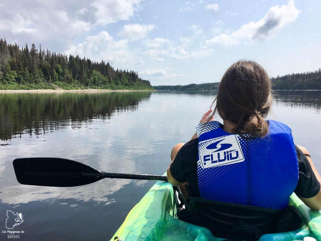 Faire du kayak, une belle activité sportive au Québec en été dans notre article Que faire au Québec en été : 7 activités extérieures pour profiter de la saison estivale #quebec #canada #activites #ete #kayak