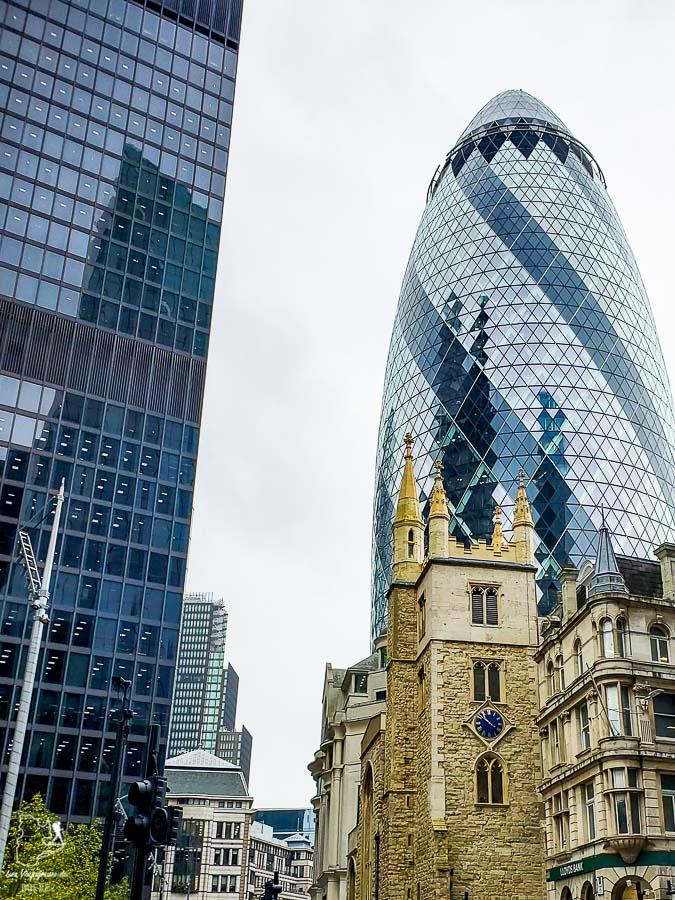 Gherkin à Londres dans l'article Visiter Londres : que faire et que voir avec un petit budget #londres #pascher #angleterre #royaumeunis #voyage #europe