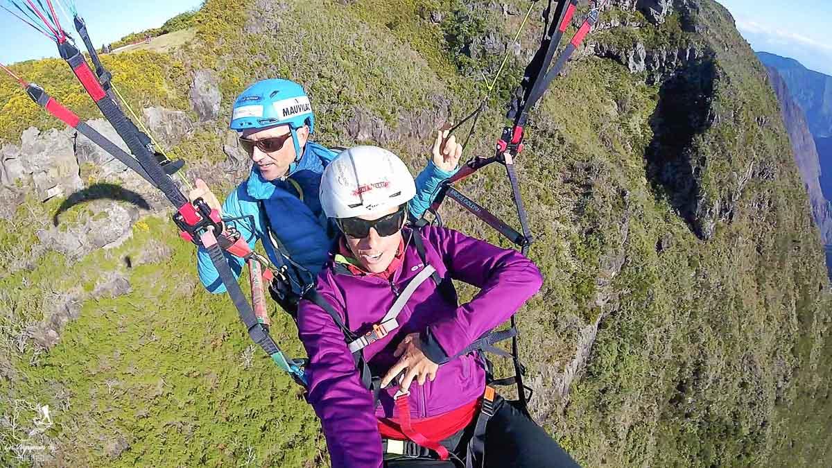 Parapente à la Réunion après le trek organisé dans notre article Voyage de randonnée : Tout savoir pour planifier son trek organisé avec une agence #randonnee #trekking #agence #voyage