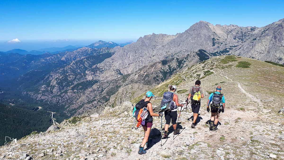 Groupe privatisé avec Terres d'Aventure en Corse dans notre article Voyage de randonnée : Tout savoir pour planifier son trek organisé avec une agence #randonnee #trekking #agence #voyage