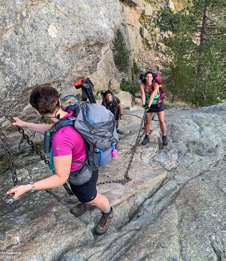 Sécurité assurée par le guide de l'agence de trekking lors d'un trek organisé dans notre article Voyage de randonnée : Tout savoir pour planifier son trek organisé avec une agence #randonnee #trekking #agence #voyage
